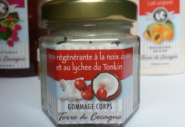 spirale_regenerante_a_la_noix_de_coco_et_au_lychee_du_tonkin_terre_de_cocagne_