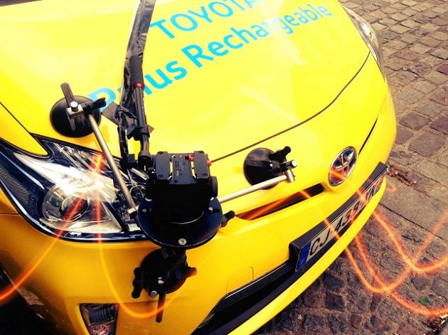 operation-toyota-positive-publicite-prius-hybride-rechargeable
